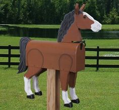 Turn your plain old mailbox into this handcrafted work of art! Distinctive looking project uses a standard US metal mailbox along with two of our Plastic Brown Eyes ( available below. Our full-size pattern includes complete instructions. Old Mailbox, Metal Mailbox, Mailbox Ideas, Mailbox Garden, Large Mailbox, Horse Crafts, Wood Crafts, Unique Mailboxes, Rustic Mailboxes