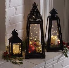 Christmas vignettes can make you smile. Christmas vignettes can warm your heart or take your thoughts to a special world or bring the world to you. And Christmas vignettes are simply great for small spaces and small space living.