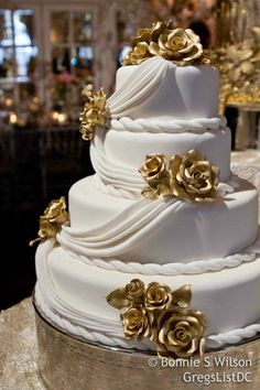 #Engaged2012 Recap: Gorgeous wedding cake by The St. Regis @The St. Regis Washington D.C. via @GregsListDC