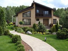 I Want to See the Inside of this One! Home Garden Design, Yard Design, Modern Bungalow House, Modern House Design, Beautiful House Plans, Beautiful Homes, Fasade Design, Backyard Layout, Small Modern Home