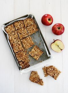 Healthy Apple & Oat Bar Dog Treat Recipe #healthy #dog #treat