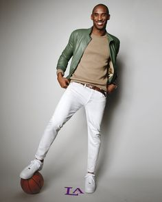 Every Photo of Kobe Bryant in GQ, Ever Photos Kobe Bryant Family, Kobe Bryant 24, Nba Fashion, Mens Fashion, Trendy Fashion, Fashion Trends, What To Wear Today, How To Wear, Kobe Bryant Pictures