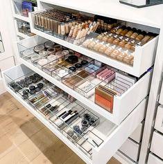 Makeup Drawer Organization, Closet Organization, Organization Ideas, Organizing, Rangement Makeup, Beauty Room Decor, Home Storage Solutions, Beauty Storage Ideas, Make Up Storage
