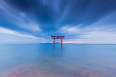 Takashima, Shiga, Japanで撮影された白鬚神社の写真 Path of God : パシャデリック