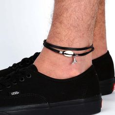 Men's Anklet - Men's Ankle bracelet - Anklet for Men - Ankle Bracelet For Men - Men's shell Anklet - Men Gift - Guys Anklet - Boyfriend The simple and beautiful anklet combines 3 layers of black wax wires and a shell and silver plated whale tail pendant. $22