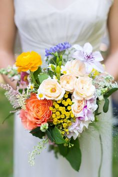 TheKnot: New Hampshire Wedding. Kate Dawson Events. ValleyFlower Co Florals. Kelsey DeWitt Photography.