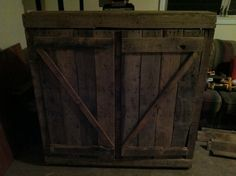 Cabinet made from pallets - cool barn wood look