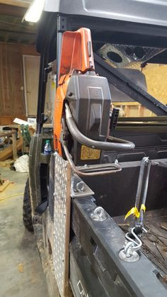 SxS chainsaw mount