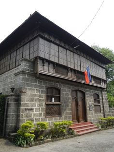 Ylagan-De la Rosa Ancestral House Taal, Batangas Filipino Architecture, Philippine Architecture, Tropical Architecture, Modern Filipino House, Philippine Houses, Vernacular Architecture, Enchanted Home, Spanish House, Stone Houses