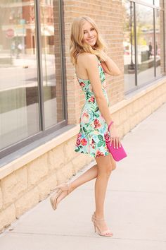 This past weekend, I had the opportunity to finally shoot all the dresses and summer-y clothes I have been saving! It was sunny, 70s, and absolutely perfect both Saturday and Sunday. This little floral number... Read More