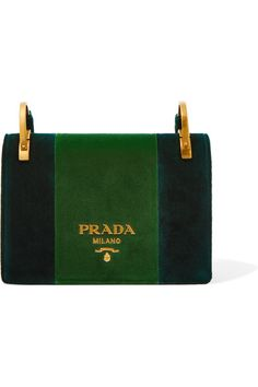 Emerald and green velvet Snap-fastening front flap Designer color: Emerald/ Alloro Comes with dust bag Weighs approximately 2.6lbs/ 1.2kg Made in Italy