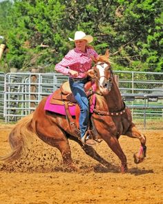 Pole Bending o Pole Bending, Rodeo Life, Cowboys And Indians, Bull Riding, Barrel Racing, Cowboy And Cowgirl, Horse Photography, Donkeys, Horse Stuff