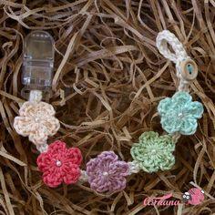 علاقة مصاصة | Pacifier Holder by afnanastore Crochet Girls, Crochet Baby Hats, Cute Crochet, Crochet For Kids, Baby Knitting, Baby Sewing Projects, Crochet Projects, Sewing Crafts, Crochet Pacifier Holder