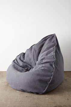 This beautifully designed textured bean bag cover merges style with functionality. Made from 100 per cent cotton and featuring a contrasting canvas handle, the MT Textured Bean Bag Cover has a removable internal lining to make washing easy. The MT Textured Bean Bag Cover does not come with fill. Composition: 100% Cotton. Dimensions: 150cm X 100cm.