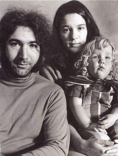Jerry Garcia, Mountain Girl and Sunshine Kesey. Dead Pictures, Dead Pics, Dead Images, Grateful Dead Image, Mickey Hart, Stinson Beach, Bob Weir, Forever Grateful, Cool Bands
