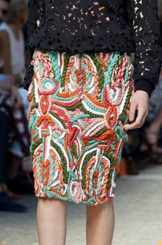 Msgm at Milan Fashion Week Spring 2014 - Msgm Spring 2014 – Check out the detail that makes up the skirt! Haute Couture Style, Couture Details, Fashion Details, Fashion Art, Runway Fashion, Trendy Fashion, High Fashion, Womens Fashion, Fashion Design