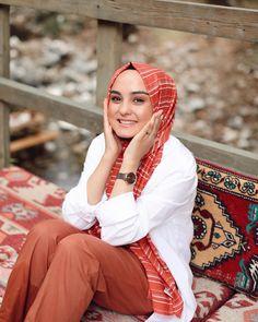Renk nereye biz oraya⛱ #fivescarfileyazrenklensin @fivescarf Hijab Fashion Summer, Instagram