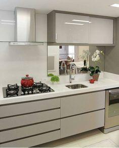 """1,268 curtidas, 15 comentários - Manual Decor (@manualdecor) no Instagram: """"Cozinha compacta e neutra, combinação perfeita! ❤ #manualdecor ⠀ Autoria: Sarah e Dalira…"""""""