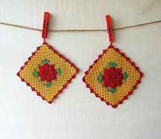 Vintage Crocheted Potholders  I still the ones my Grandmother crocheted. Exactly like these!