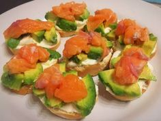 A Guide to Every Type of Salmon You Can Buy Boost your salmon vocabulary and learn the difference between King, Sockeye, Coho, and more. Canapes Salmon, Salmon Y Aguacate, Caprese Salad, Finger Foods, Food Inspiration, Cooking Tips, Catering, Easy Meals, Appetizers