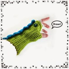 Dragon Mitts: keep yourself entertained and your hands toasty warm! --------------------------------- This is a crochet pattern suitable for Crochet Gloves, Crochet Hooks, Knit Crochet, Crochet Mitts, Knitting Patterns, Crochet Patterns, Crochet Dragon, African Flowers, Dragon Pattern