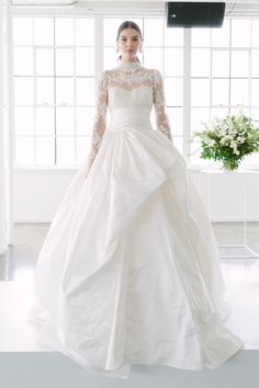 7 Couture Wedding Dr 7 Couture Wedding Dress Trend Predictions For 2019 - Bridal Musings Marchesa Wedding Dress, Marchesa Bridal, Sheer Wedding Dress, Modest Wedding Gowns, Marchesa Spring, Wedding Dress Trends, Bridal Gowns, Bridal Musings, Pippa Middleton Wedding