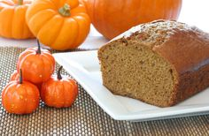 From pumpkin bread to pumpkin bread pudding, here are some delicious pumpkin-themed ideas for your fall baking. Perfect Pumpkin Pie, Pumpkin Pie Spice, Pumpkin Loaf, Spiced Pumpkin, Pumpkin Puree, Pumpkin Carving, Paleo Recipes Easy, Bread Recipes, Organic Recipes