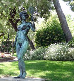 Maryse au miroir, de la Patellière Monaco, jardin Saint Martin