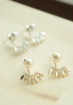 Pendientes colgantes - pearl and leaves ear jacket earrings - hecho a mano por Milky-peach en DaWanda