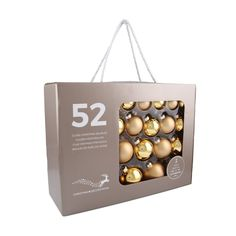 52-piece glass Christmas baubles set, matt and shiny gold assorted. The set consists of 16 baubles with a 4 cm diameter, 14 baubles with a 5 cm diameter, 12 baubles with a 6 cm diameter, and 10 baubles with a 7cm diameter. Supplied in a handy case.