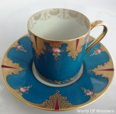 本日は、 <再入荷!> フランス製 リモージュ デミタスカップ&ソーサー(金彩ブルー)のご紹介です。。。  以前にもリクエストがあってご... Limoges