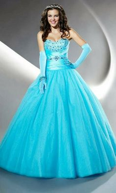 I adore this ball gown :D Turquoise Quinceanera Dresses, Pretty Quinceanera Dresses, Quinceanera Ideas, Sweet 15 Dresses, Pretty Dresses, Beautiful Dresses, Quince Dresses, Prom Dresses Blue, Formal Dresses