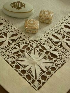 Hardanger Embroidery, Hand Embroidery Patterns, Beaded Embroidery, Cross Stitch Embroidery, Embroidery Designs, Drawn Thread, Point Lace, Seed Bead Jewelry, Lace Making