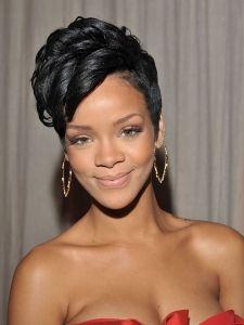 Rihanna's Short Curly Hairstyle