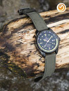 #certina #ds #action #gmt #automatikuhr #uhrzeit Cool Watches, Watches For Men, Men's Watches, Watches Photography, Photography Tips, Omega Watch, Aqua, Men Cave, Men Stuff