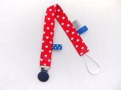 Speenkoord rood met hartjes - blauwe klem -Handmade by Francien www.handmadebyfrancien.nl