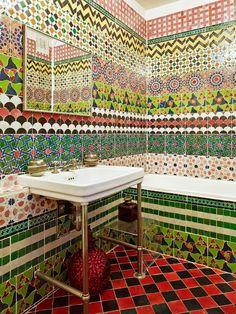 Tendência 2017: azulejos criativos nos banheiros e lavabos   Casinha colorida