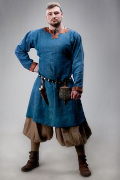I don't know why I always like men's garb better than women's garb when it comes to viking garb.