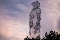 Meshed metal sculptures by Edoardo Tresoldi