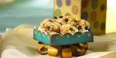 Kellogg's® Rice Krispies® enhance everyone's favorite chocolate chip cookies.