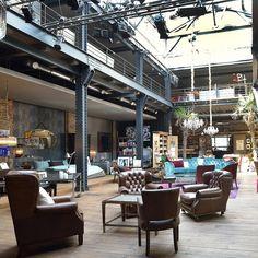 The Box ist der größte Concept Store Hamburgs mit Vintage-Möbeln, zwei Galerien, einem Küchengeschäft, Taschen, Geschenken, Kosmetik und einem Café.