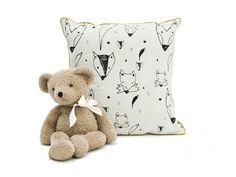Cushion with foxes (via KRETHAUS)