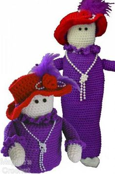 How cute are these crochet dolls? Make both and give one to your favorite Hatter! (Red Hat Society Set Pattern PA394 by Maggie's Crochet, via Flickr)
