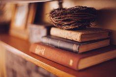Voici une sélection de livres en anglais et français recommandés par Manon Cyr, infirmière spécialisée en deuil périnatal