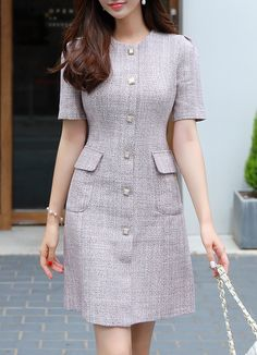 Roupas lindas 😍 dresses for work Square Button Tweed Dress Simple Dresses, Elegant Dresses, Casual Dresses, Dresses For Work, Simple Dress Casual, Awesome Dresses, Office Dresses, Beautiful Dresses, Mode Outfits