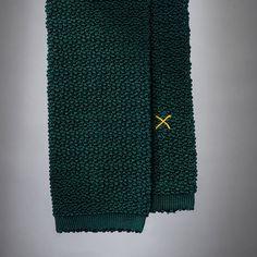 """""""Cri de la Soie"""" Mint Green Knit Tie by Peacon, handmade in Germany! #knittie #sprezzatura #menstyle #gentleman"""