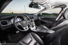 Volvo S60 R-design interior  #Volvo #s60 #interior more: http://premiummoto.pl/05/21/volvo-s60-d5-r-design-nasza-sesja