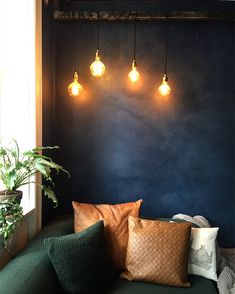Den lille blå stue   Salmon Street Minimalist Home, Home Fashion, Wall Lights, Living Room, Bedroom, House Styles, Aaliyah, Retro, Industrial