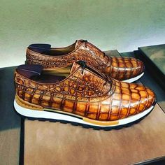 Alligator leather walking sneakers lightweight running shoes for sale, These fashion alligator leather shoes for men can be not only worn as lightweight sneakers and loafers but also perfect for casual. Lightweight Running Shoes, Man Shoes, Shoe Game, Coco, Leather Shoes, Casual Shoes, Kicks, Oxford Shoes, Dress Shoes