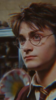 Harry Potter Gif, Young Harry Potter, Daniel Radcliffe Harry Potter, Harry Potter Pictures, Harry Potter Wallpaper, Harry Potter Books, Harry Potter Background, Desenhos Harry Potter, Harry Potter Aesthetic